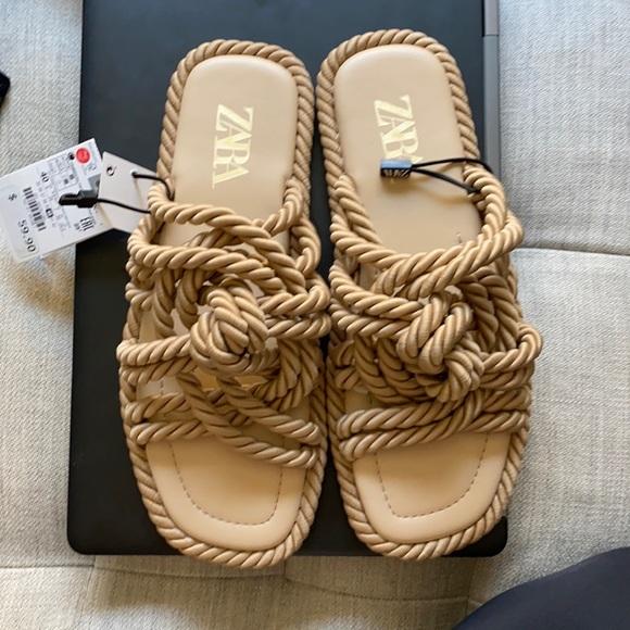 ZARA Low Heel Knotted Sandal — BRAND NEW!